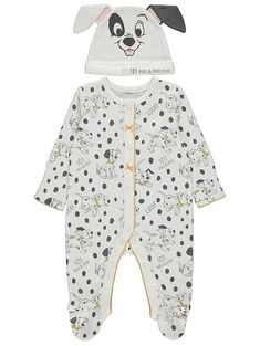 Crafted in soft pure cotton and designed with spotty prints to make your baby look like they're a dalmatian pup straight from the classic Disney film, this cosy 101 Dalmatians sleepsuit and hat set is perfect for winding down into their evening routine. Rabbit Accessories, Scarlett Rose, New Baby Products, Pure Products, Baby George, 101 Dalmatians, Baby Prints, New Baby Gifts, Latest Fashion For Women