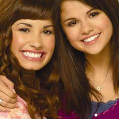 Selena Gomez And Demi Lovato Nude Selena Gomez Cute, Selena Gomez Pictures, Alex Russo, Camp Rock, Demi Lovato Young, Big Bang Theory Quotes, Princess Protection Program, Hollywood Girls, Disney Channel Stars