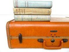 Lovely vintage luggage!! Etsy Vintage: Luggage
