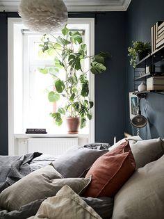 A beautiful bedroom via 👌🏻 Good night all ✨ . Cozy Bedroom, Bedroom Inspo, Bedroom Decor, Greige, Rustic Home Interiors, Scandinavian Home, Beautiful Bedrooms, New Room, Cheap Home Decor