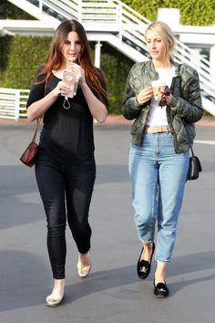Lana Del Rey and assistant/friend Stella in West Hollywood(Feb. 01, 2017)