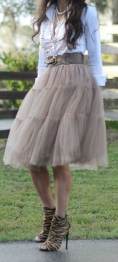tulle midi skirt in caramel http://rstyle.me/n/pnfeupdpe