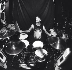 Here we have Mike Fuentes in a BMTH shirt. So much awesome in one picture.