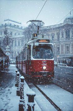 Winter is back, Vienna, Austria  . by Julia Dávila-Lampe #Vienna, #Austria #winter #snow #cityscape