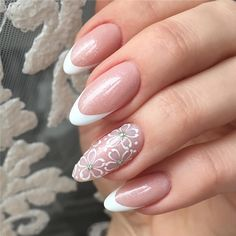 Spring is coming, the weather is getting warmer and warmer. Many female friends who love beauty are very fond of going to the nail art. We have prepared a lot of photos of nails ideas for you. Hope you can get some inspirations in your nails. Matte Nails, Glitter Nails, Gel Nails, Acrylic Nails, Short Nails, Long Nails, Indigo Nails, Pretty Nail Art, Cute Nail Designs