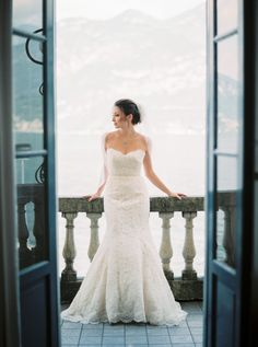 Photography : Thecablookfotolab Read More on SMP: http://www.stylemepretty.com/destination-weddings/italy-weddings/2016/06/14/see-the-true-meaning-of-la-dolce-vita-with-this-lake-como-wedding/