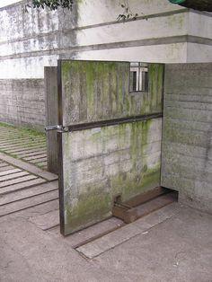 REMEMBERANCE | Carlo Scarpa, Brion Cemetery. San Vito d'Altivole near Treviso, Italy. #Rememberance #Carlo #Scarpa #Brion#Cemetery #Italy #1969 #1978 #Door #Detail #Concrete