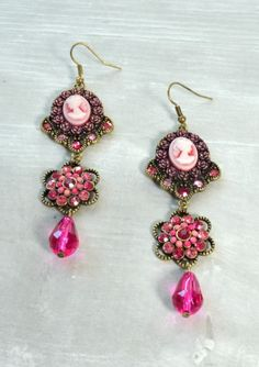Beautiful Memory Vintage Cameo Fuchsia Earrings 22,90 € #happinessbtq