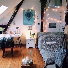 "•TEEN ROOM• I love this room.... The decor is beautiful. It's a little ""tumblr"" but it's all good  Pls comment. Like. Repin. And follow me for more cute room ideas"