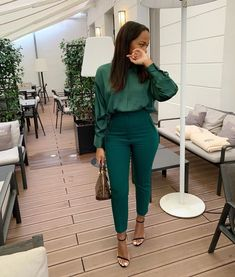 Stylish Work Outfits, Summer Work Outfits, Business Casual Outfits, Office Outfits, Classy Outfits, Stylish Outfits, Chic Office Outfit, Office Dresses, Office Style