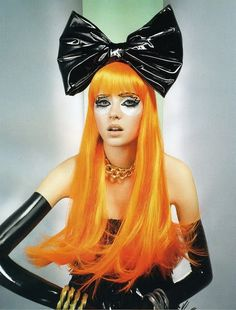 I know this is probably a wig but I love her orange hair x