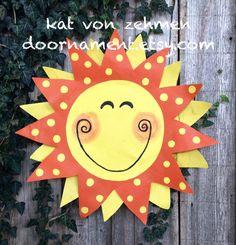 Summer Door Hanger Bright Yellow Sunshine Door by doornament Summer Door Decorations, Holiday Wreaths, Holiday Decor, Burlap Door Hangers, Summer Signs, Burlap Crafts, Tole Painting, Rustic Signs, Diy Signs