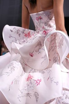 Ralph & Russo Layers of hand-painted silk gazar and botanical embroiderey - Autumn Winter 2016/2017 collection