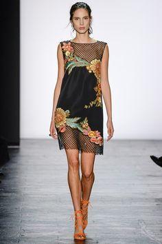 Sfilata Dennis Basso New York - Collezioni Primavera Estate 2016 - Vogue