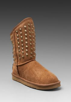12 Best Shoes/boots/sandals images | Sheepskin boots