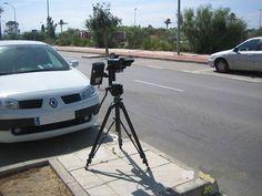 Hartos del afán recaudador de los radares instalados en nuestras carreteras, ha surgido el movimiento RadaresValencia, una aplicación que informa de dónde se esconden los cinemómetros móviles según la delación de los propios conductores.