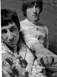 Pete Townsand & Roger Daltry Keep A Good Head and Always Carry A Lightbulb