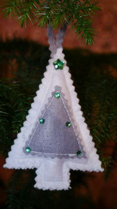 Felt Christmas tree. Christmas ornament