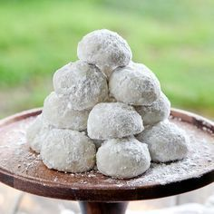 Scenic Mexican Wedding Cake Cookies Looking Mexican Wedding Cake Cookies Mexican Wedding Mexican Wedding Cake Cookies, Mexican Cookies, Cookie Desserts, Cookie Recipes, Dessert Recipes, Easter Desserts, Kiss Cookies, Owl Cookies, Snowball Cookies
