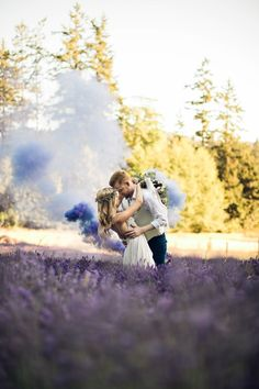 Dreamy couple moment in a blooming meadow | Rivkah Photography
