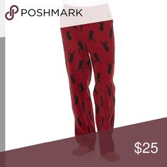 Men's patterned microfleece lounge pants PRODUCT FEATURES Fun graphic Soft microfleece construction FIT & SIZING Elastic waistband FABRIC & CARE Polyester Machine wash Other