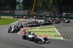 Nico Rosberg (GER) Mercedes AMG F1 W05 leads at the start of the race. Formula One World Championship, Rd13, Italian Grand Prix, Monza, Italy, Race Day, Sunday, 7 September 2014