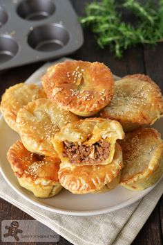 Bake for Happy Kids: Fuss Free Easy Lean Beef Mushroom Pies Savoury Mince, Savory Pastry, Savoury Baking, Steak And Mushroom Pie, Steak And Mushrooms, Stuffed Mushrooms, Minced Beef Pie, Mince Pie Filling, Pie Pastry Recipe