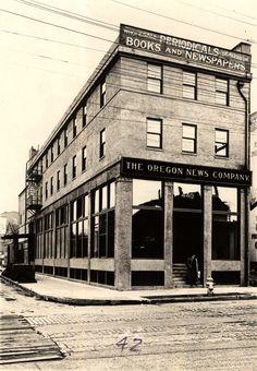 The Oregon News Company's new building, circa 1917 - Portland, Oregon