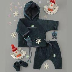 un gilet à capuche, un sarouel et des chaussons en velours pour bébé - MCI n°112