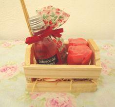 Difusor de varetas+ sachê + 2 sabonetes Botão de Rosas.