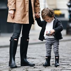 The Hunter Kids First Classic is a specialised welly, designed for growing feet. A flatter sole and rounder foot ensure this style is easier to walk in. A wider upper leg offers freedom of movement, as well as making the putting-on and taking-off process easier.