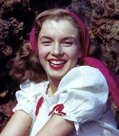 The First Professional Modeling Pictures of Norma Jeane in 1945