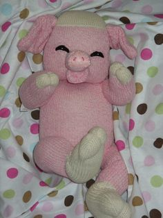 pattern for a sock pig - someone with sewing skills make this for my kiddo!