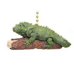 Green Iguana Clementine Fan Pull