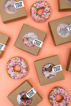 Wedding Gifts All you need is love and donuts. such a cute DIY late night wedding snack idea! - These DIY late night wedding snack ideas are absolutely adorable! Donuts, pizza, and chips will be a welcome addition to the dance floor when everyone. Wedding Snacks, Wedding Donuts, Beach Wedding Favors, Unique Wedding Favors, Unique Weddings, Wedding Gifts, Wedding Cards, Wedding Cookies, Wedding Vows