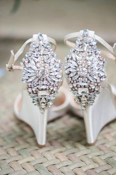 If you want to find very comfortable wedding shoes you have two top choices, one is to wear cowgirl wedding boots (as many of our readers choose). Valentino 2017, Valentino Wedding Shoes, Cowgirl Wedding, Wedding Boots, Wedding Bride, Wedding Ideas, Camo Wedding, Wedding Rustic, Wedding Decorations