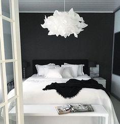27 Fabulous Black And White Bedroom Design Ideas For Your Minimalist Home - Bedroom Ideas - Bedroom Black White Bedrooms, Bedroom Black, Black Bedding, White Rooms, Modern Bedroom, Master Bedroom, Maroon Bedroom, Modern Bedding, White Walls