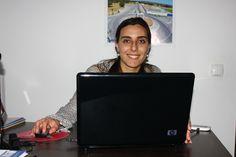 Sabe quais as vantagens e desvantagens de trabalhares a partir de casa. Vê no meu blog: http://blog.catiaeluis.com/blog/vantagens-e-desvantagens-de-trabalhar-em-casa