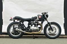 Kawasaki W650 'Red Pill' by Deus Customs