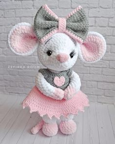 Diy Crafts - -Amigurumi-Rezepte - AmigurumiRezepte Amigurumi toy animal knitting models are both the most popular and one of the most knitted knit Bunny Crochet, Crochet Mouse, Crochet World, Free Crochet, Crochet Beret, Crochet Animal Patterns, Stuffed Animal Patterns, Crochet Patterns Amigurumi, Amigurumi Doll