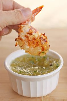 Baked Coconut Shrimp with Pineapple Dipping Sauce by thegirlwhoateeverything #Shrimp #Coconut #Pineapple #Healthy