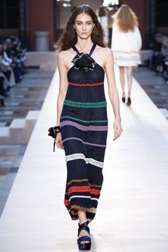 See the complete Sonia Rykiel Spring 2017 Ready-to-Wear collection.