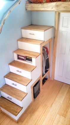 Great tiny house stairs