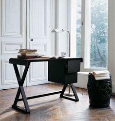 Writing desks: SIDUS – Collection: Maxalto – Design: Antonio Citterio