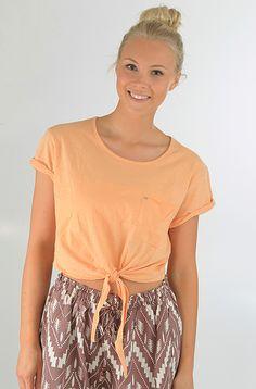 Obey Anita t-paita Coral Sands 29,90 € www.dropinmarket.com