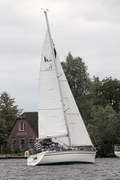 Before the start of the race: Hunter 28