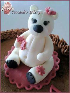 Topper cake https://m.facebook.com/crocantisbakery