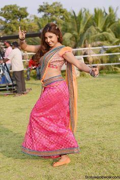 Komal Jha Hot in Saree