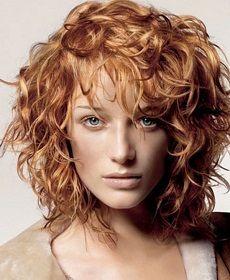 Έχετε φυσικές μπούκλες και ψάχνετε τα τέλεια χρώματα για μαλλιά ; Οι τάσεις στα μαλλιά και τις βαφές για το 2014 το λένε ξεκάθαρα, οι μπούκλες λάμπουν πάντα με ανταύγειες!