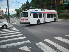 SEPTA New Flyer trackless trolley dewired New Flyer, Buses, Philadelphia, Busses, Philadelphia Flyers